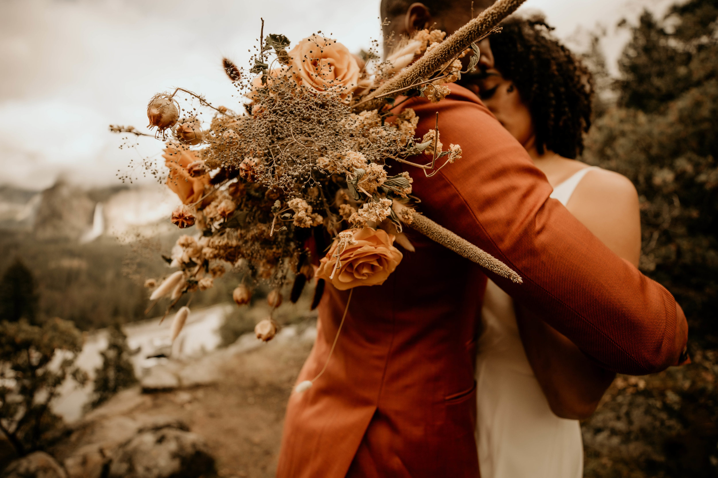 1yosimite-national-park-elopement-wedding-boho-bride--4.jpg