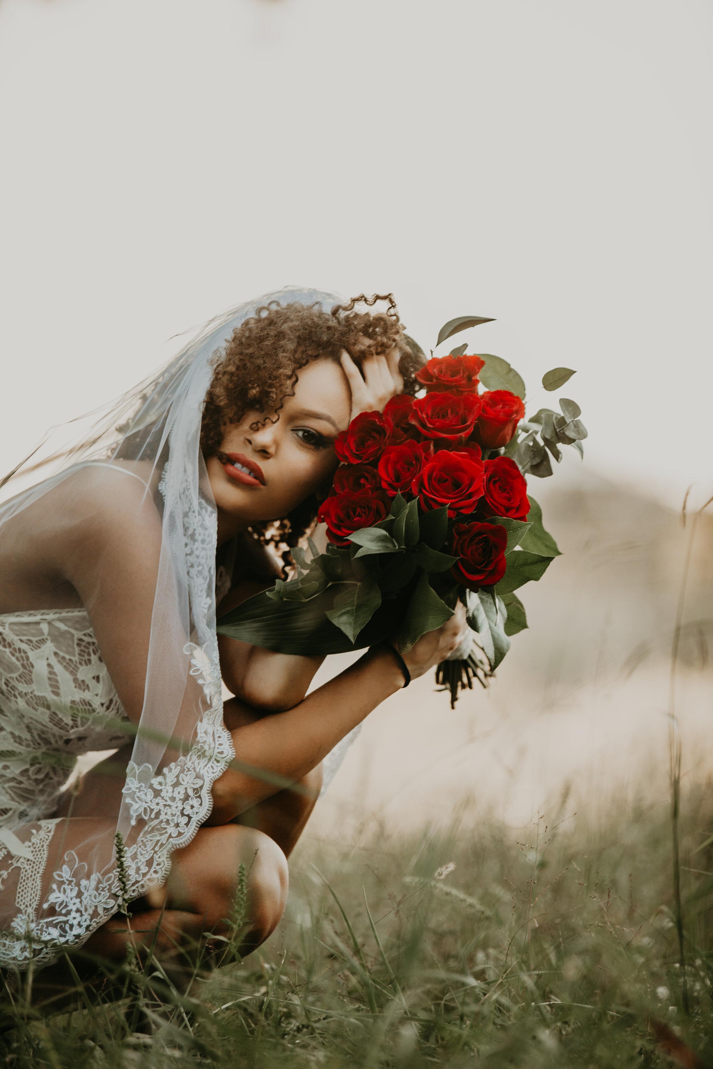 boudoir-dessert-conway-central-arkansas-bridal-photographer-little-rock-photography-outdoor-wedding-boho-fashion-engagement-elopement-bouquet-bride-soiree-magazine-photoshoot-arkansasbride-pinnacle-mountain-car-vintage