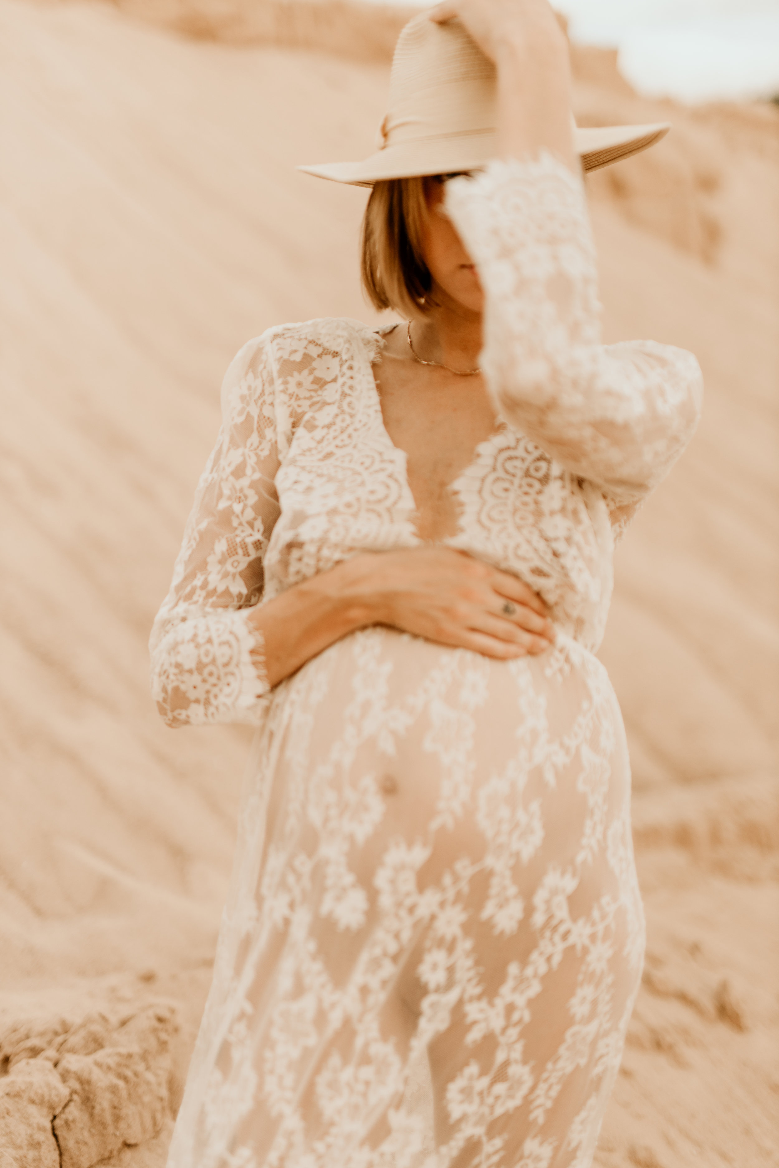maternity-desert-conway-central-arkansas-bridal-photographer-little-rock-photography-outdoor-wedding-boho-fashion-engagement-elopement-bouquet-bride-soiree-magazine-photoshoot-arkansasbride-pinnacle-mountain-car-vintage