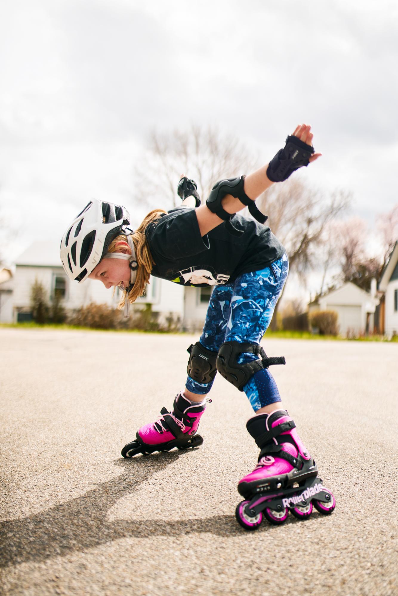 2019-4-6 Zoe Rollerblading-018 copy.jpg