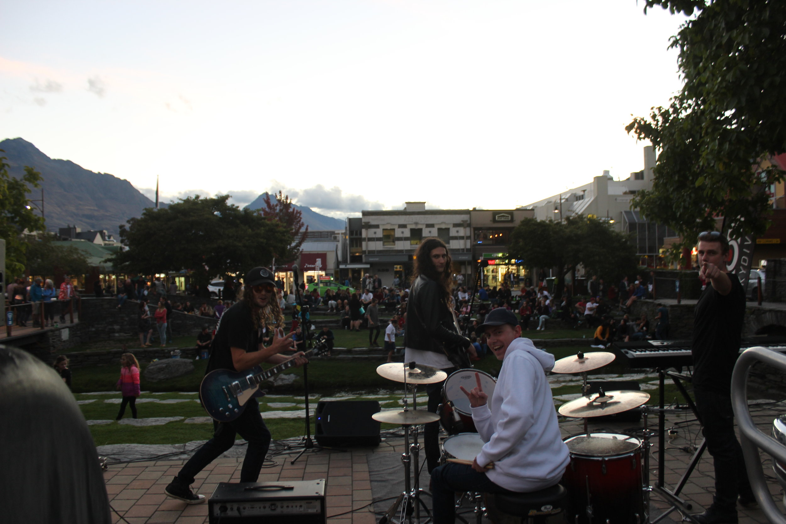 Queenstown_CBD_Live_Band.JPG