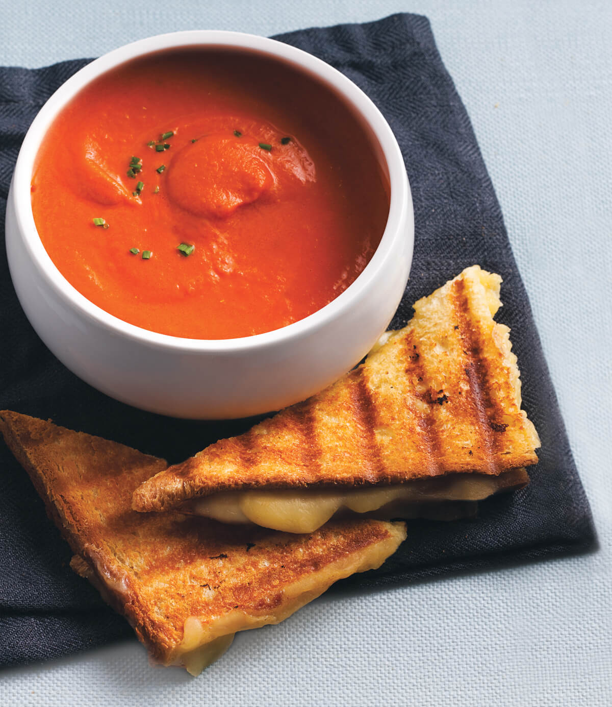 grilled_cheese_tomato_soup.jpg