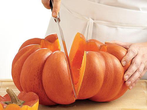 prepping_pumpkin.jpg