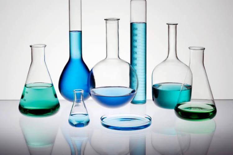chemical-reactions-beakers.jpg