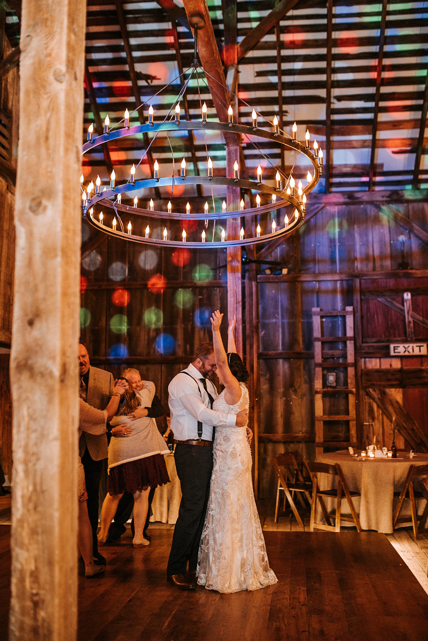 Bride+and+groom+dancing.jpg