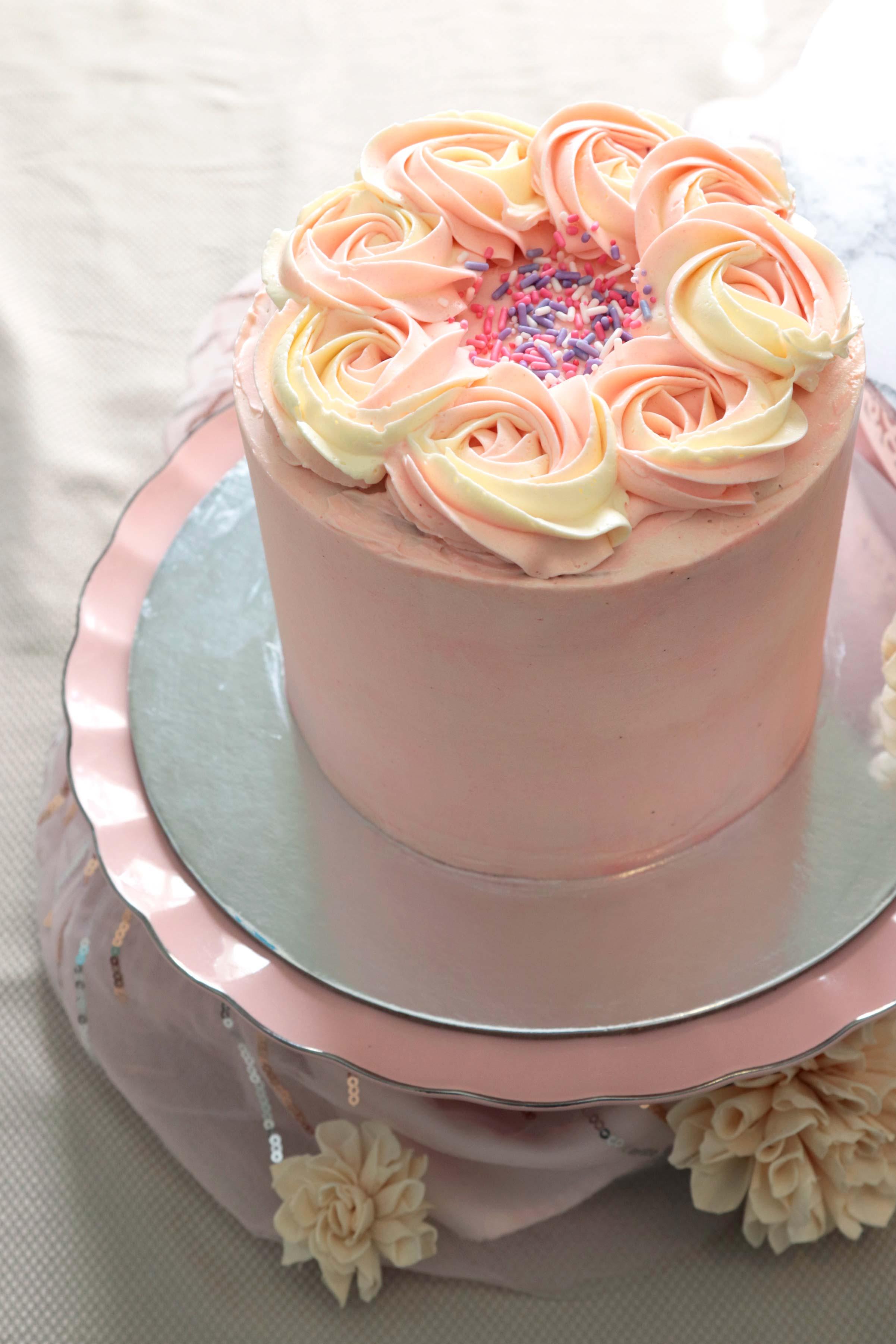 The_Little_Cake_Maker_Perth_Baker_CustomCakes_DayCakes_Slices_Tarts_Cupcakes_Day_Cakes_1.jpg