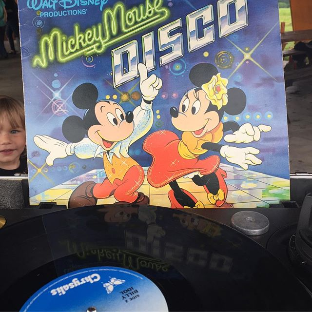 #nowspinning the most absurd record: a #disco version of It's A Small World After All (featuring a very adorable photobomb by my 2 year old) at #KinderDisco 💥😝