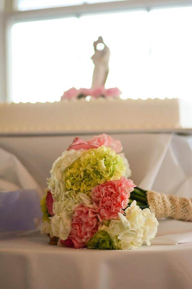 Rob-Becky-Wedding-Cake-Flowers.JPG