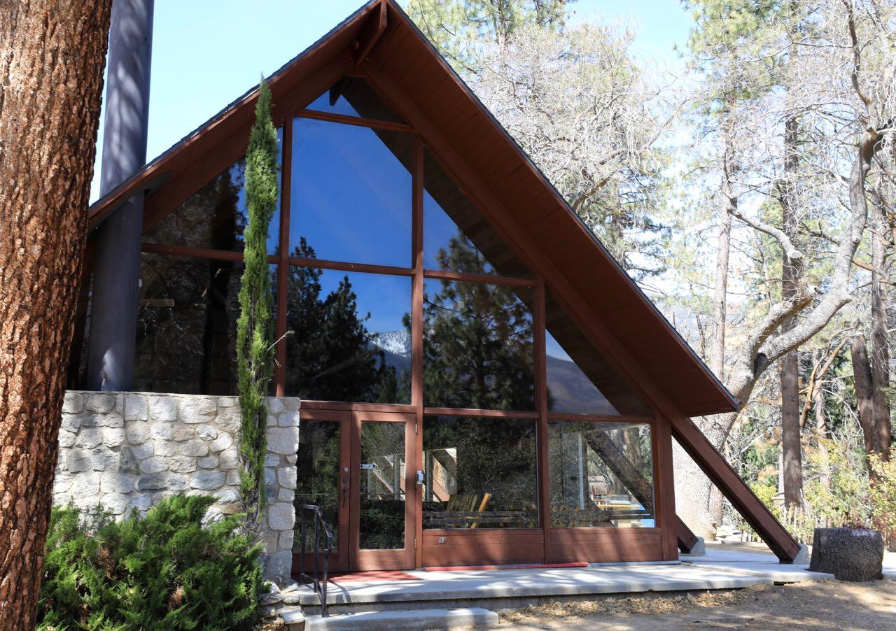 CSM-Lodge-Front-1332.jpg