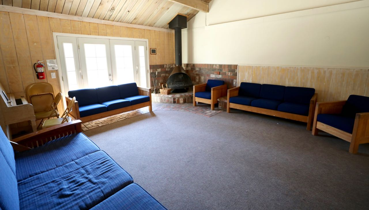 Manzanita Lodge - inside
