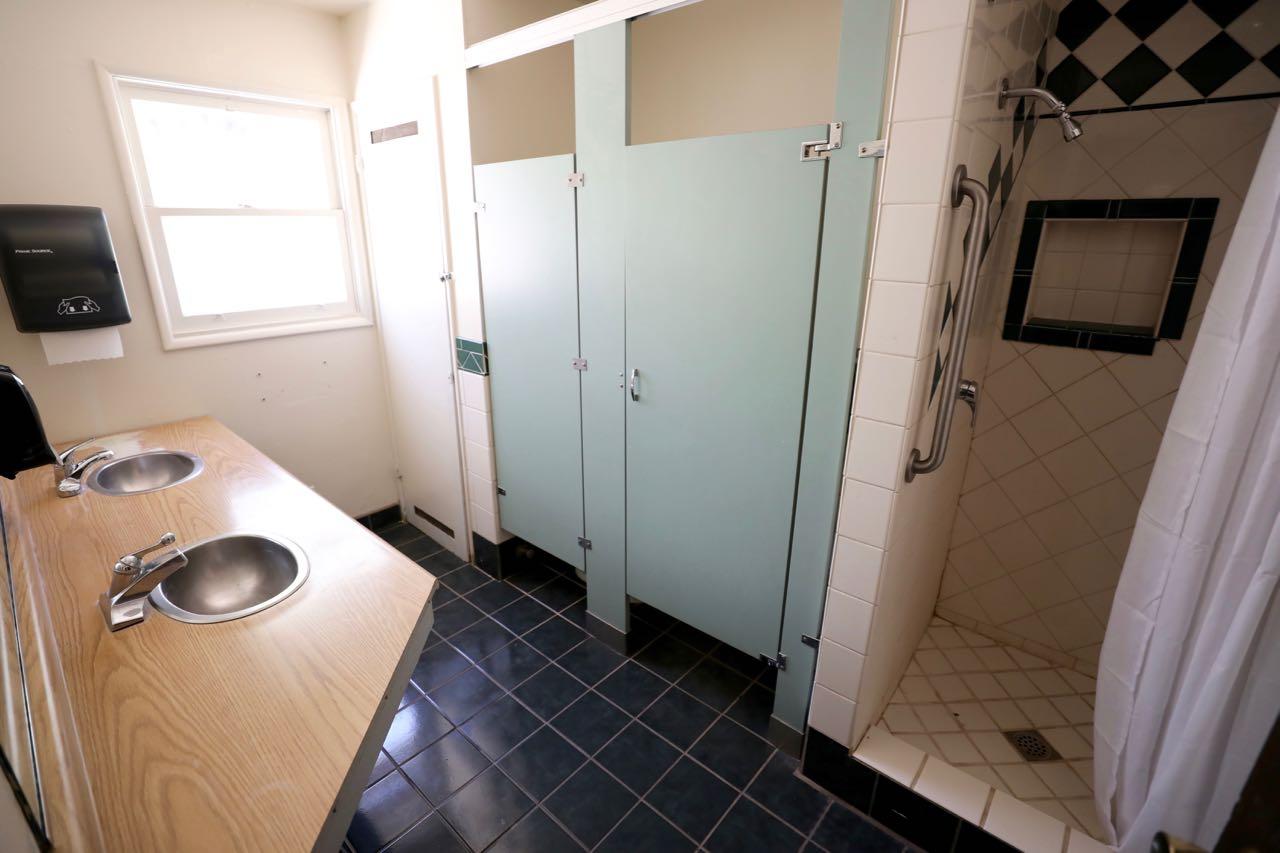 Manzanita Bathroom