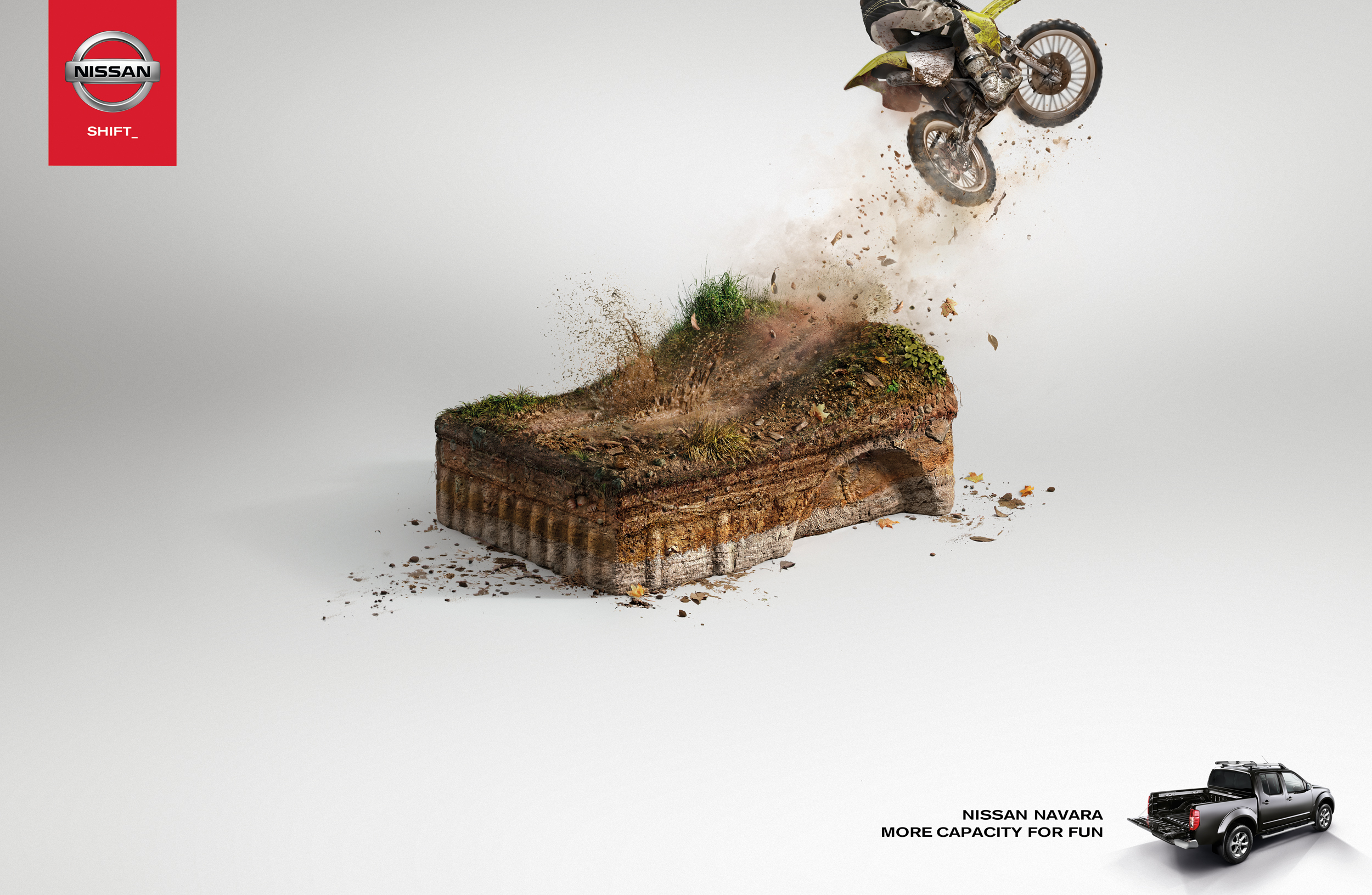Nissan Navara_Motorbike.jpg