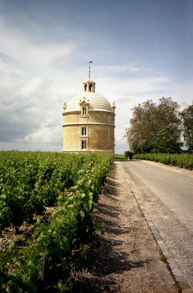 Château_La_Tour-674x1024.jpg