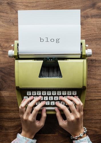 Blogging is good for business SM.jpeg
