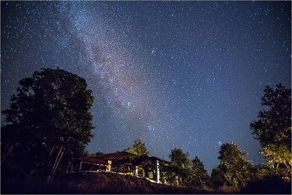 LODGE UNDER THE STARS © Ian Francis ARPS DPAGB