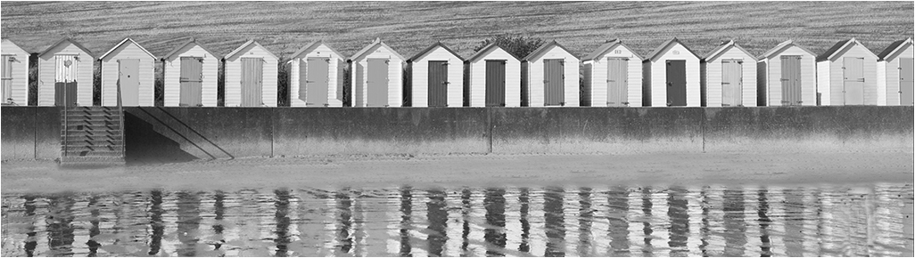 Beach Huts at Broadsands © Neil Grimshaw