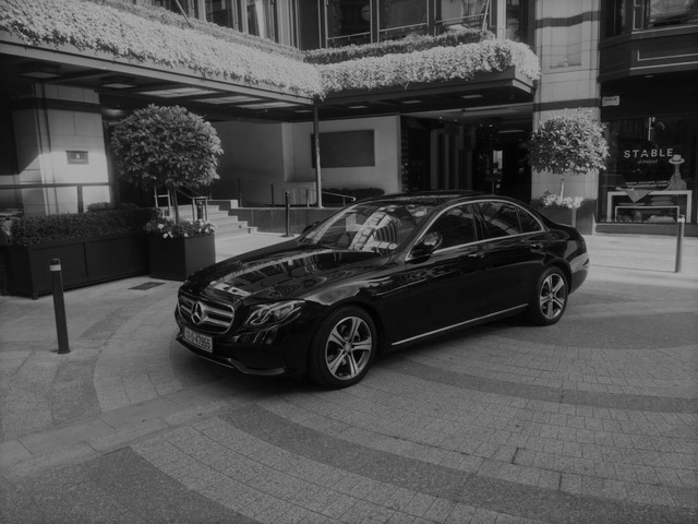 Executive Sedan/Saloon vehicles for up to 3 passengers