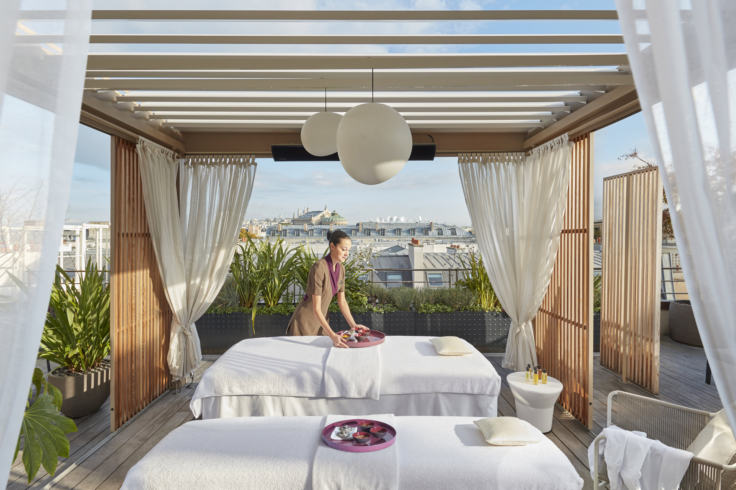 hotel_mandarin_oriental_paris_terraces_gardens_christophe_gautrand_landscape_designer_2.jpg