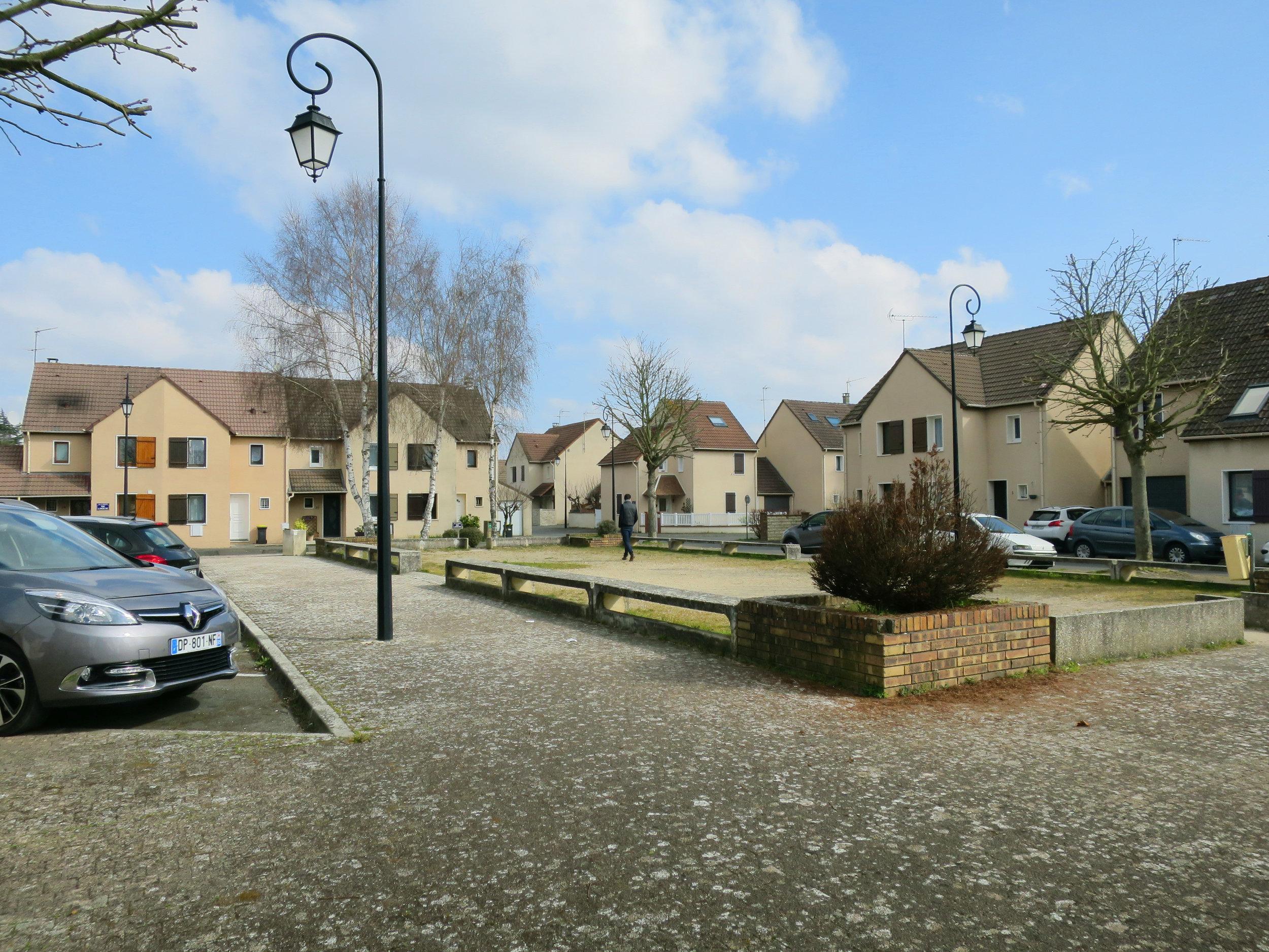 public_square_maurecourt_terraces_gardens_outdoor_landscape_designer_christophe_gautrand_3.jpg