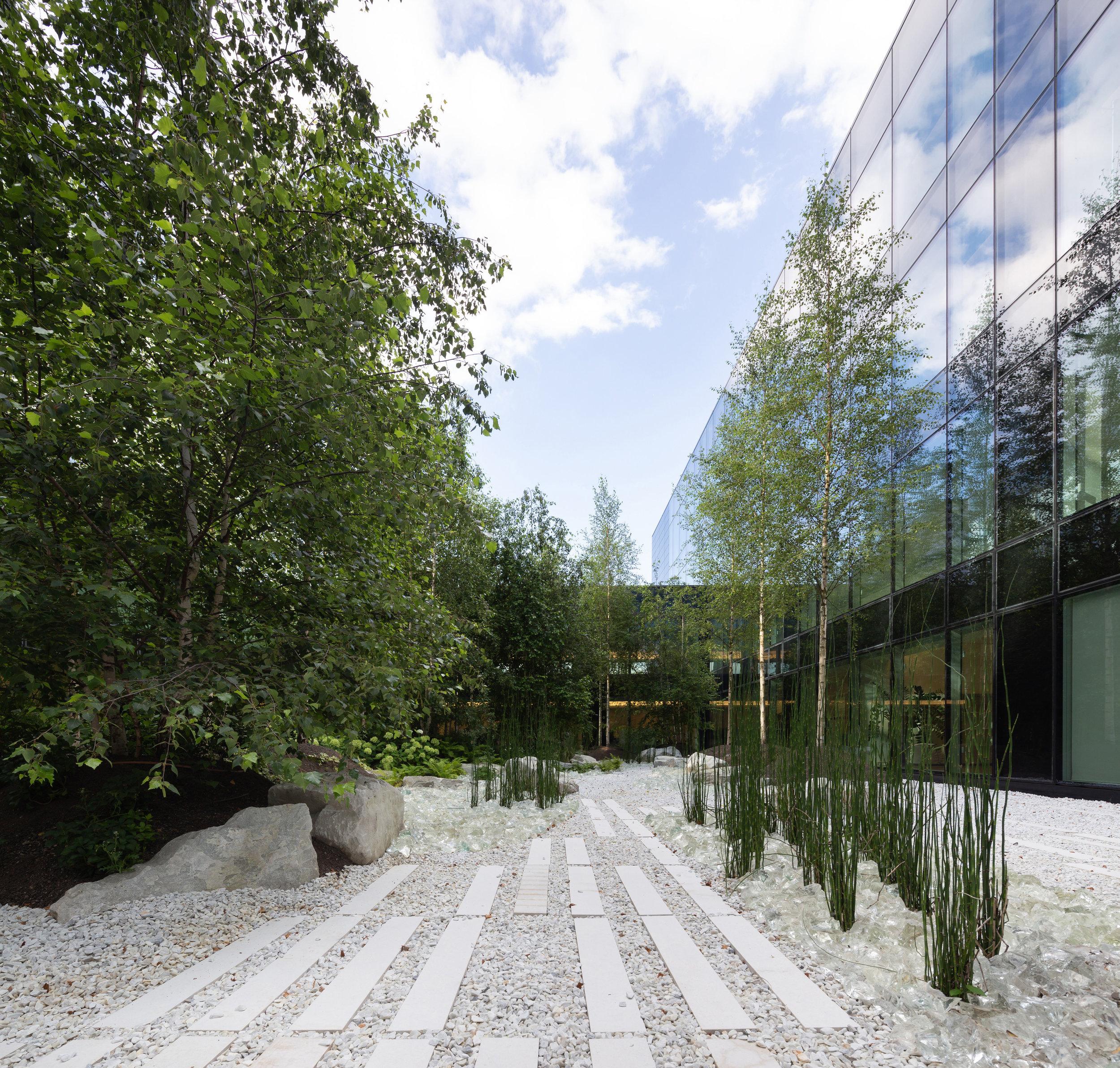 office_foyer_insurance_luxembourg_outdoor_landscape_designer_christophe_gautrand_2.jpg