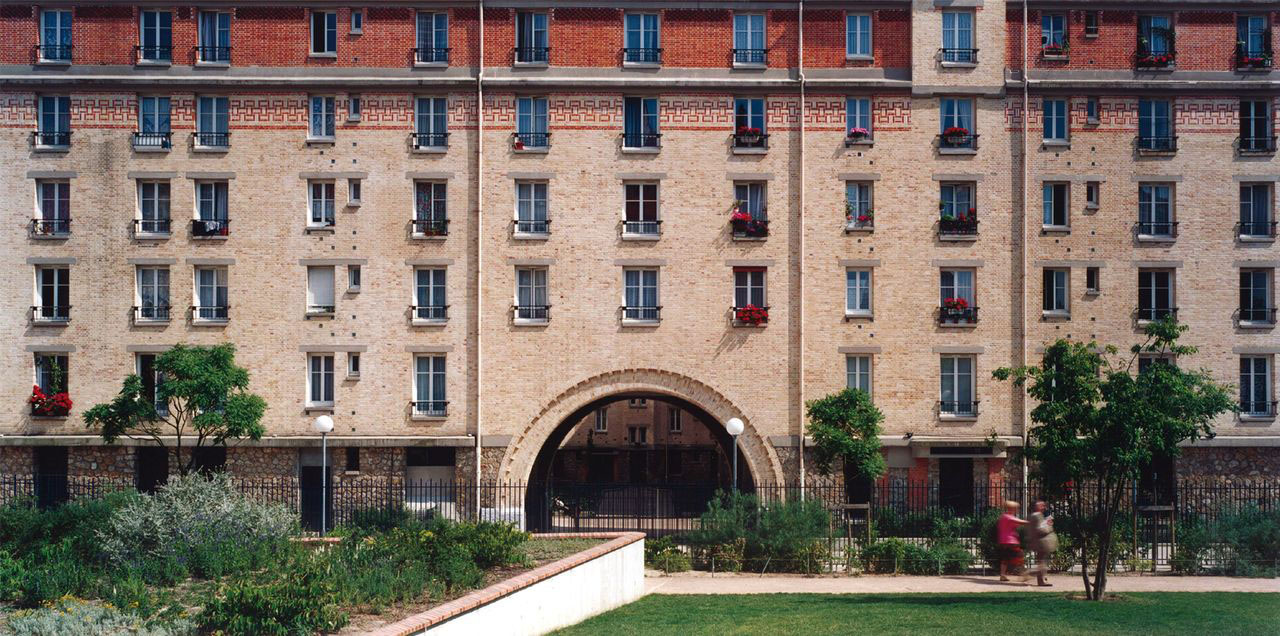 Bonnier Housing Requalification / Paris (75)   Real urban stake on nearly a hectare, the city Bonnier requalification must allow a redefinition of public spaces and accommodate social and commercial activities.