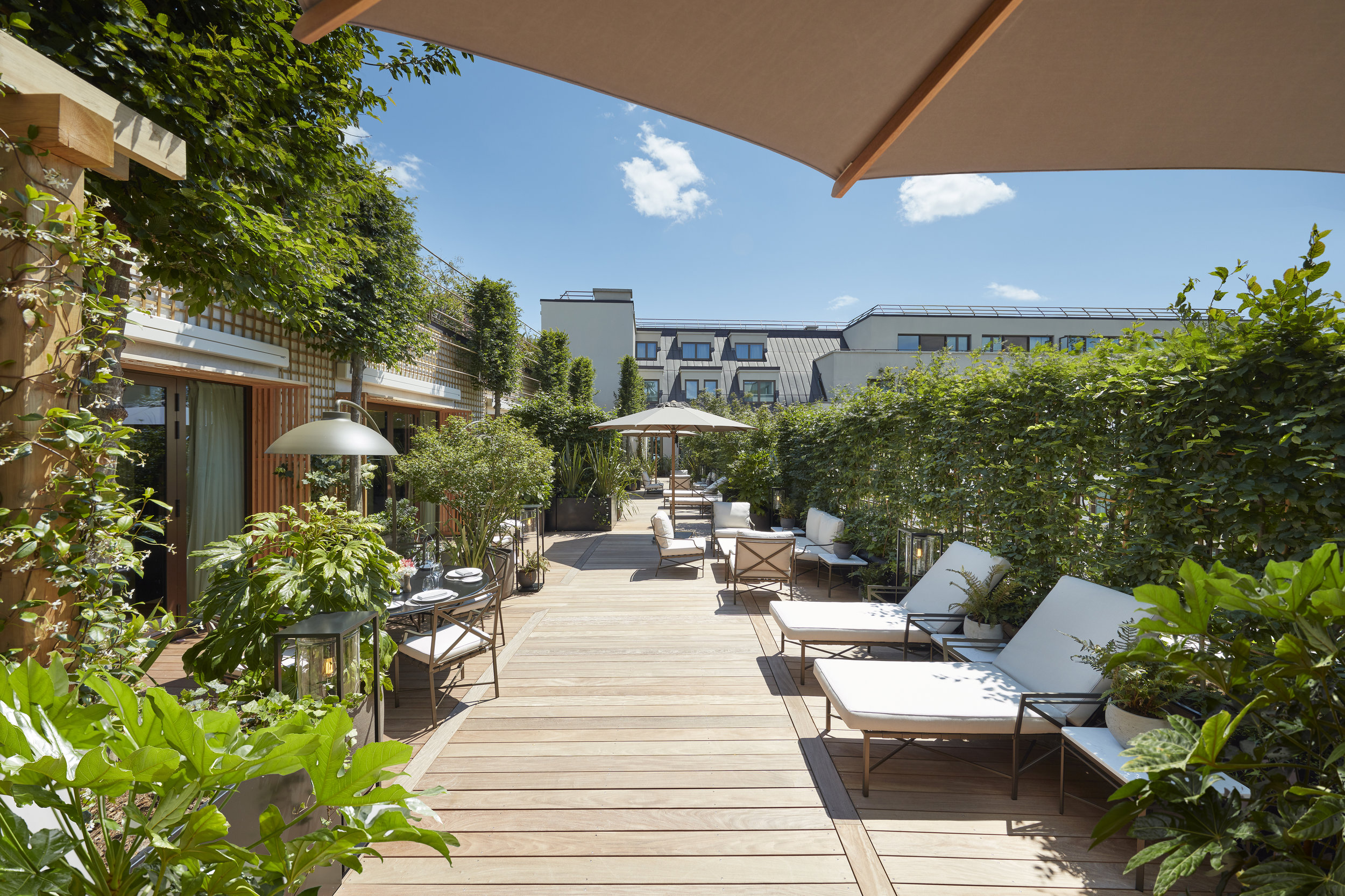 hôtel_mandarin_oriental_paris_terrasses_jardins_christophe_gautrand_paysagiste_1.jpg