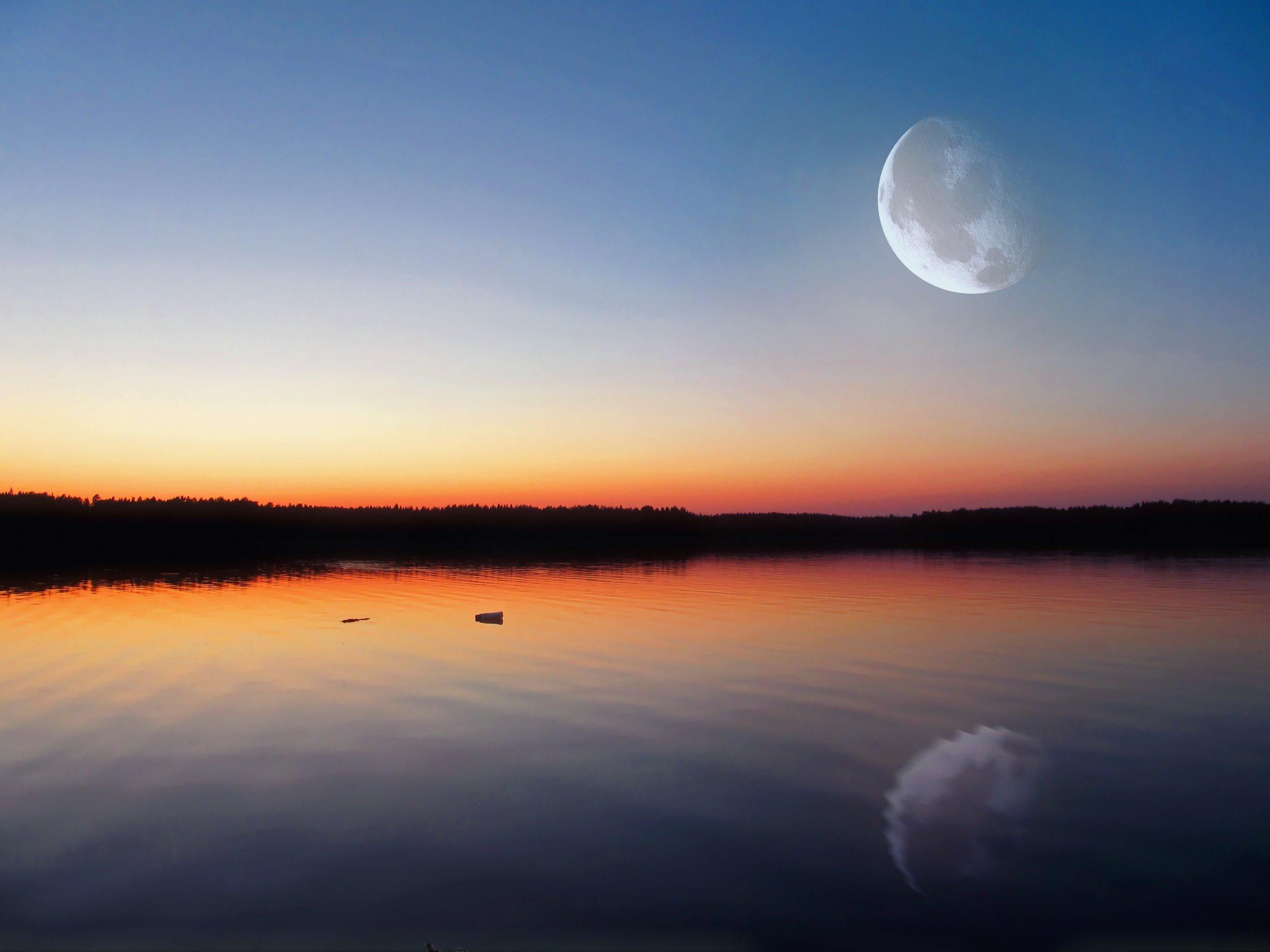 evening-lake-639699.jpg