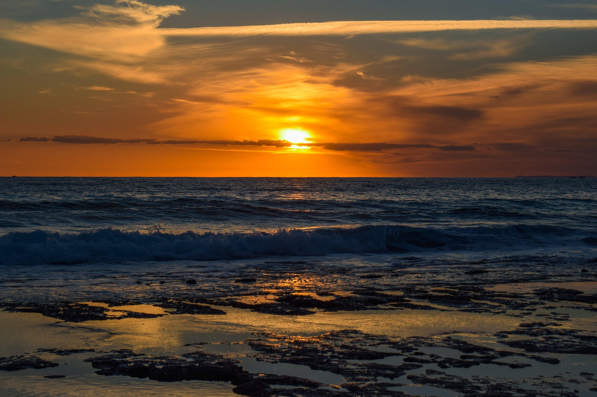 sunset-4047297.jpg