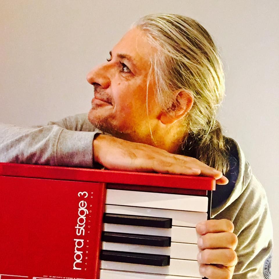 Dirk schreursNord - Jazz pianist / Session keyboardist / composer / arranger / …