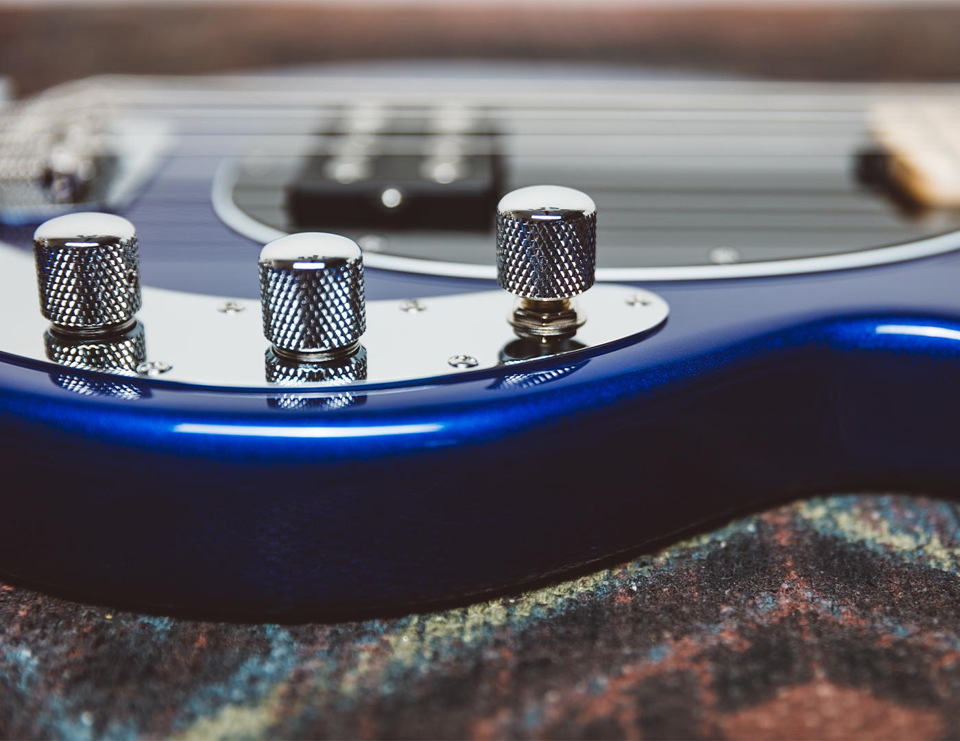 SS-StingRay-Bass-social-assets-Carousel-blue-2.jpg