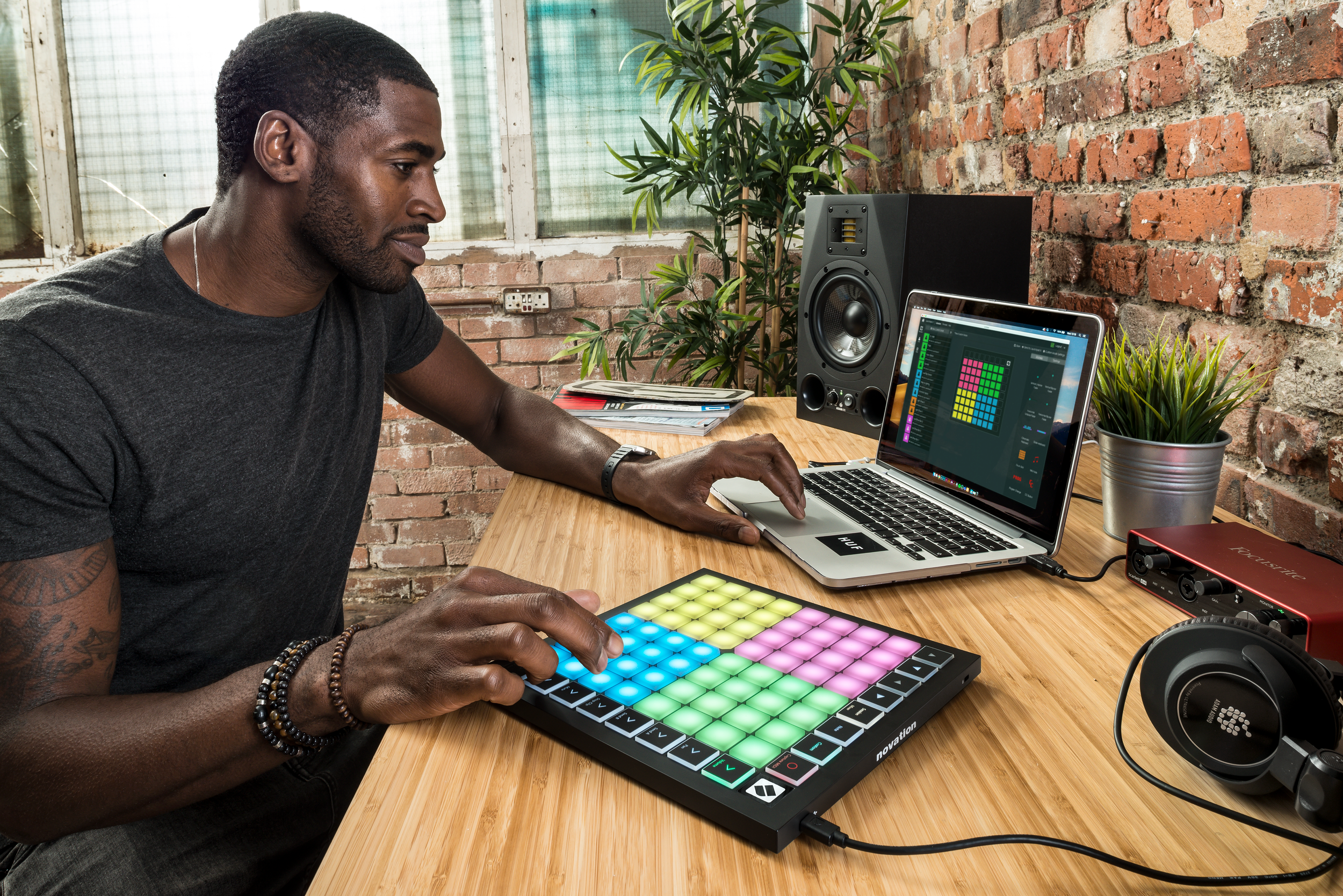 Launchpad-X_Lifestyle_3.png