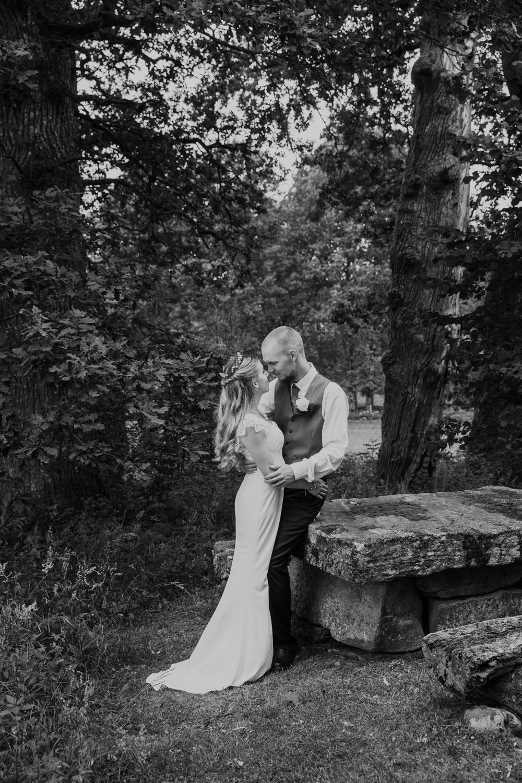 Fotografmatilda_tranemo_bröllopsfoto_fotografering_asarpskyrka_limmared.jpg