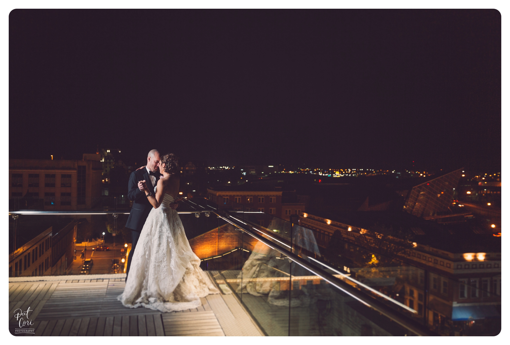 Center-in-the-Square-_-Weddings-Wedding-Photographer-Virginia-053.jpg