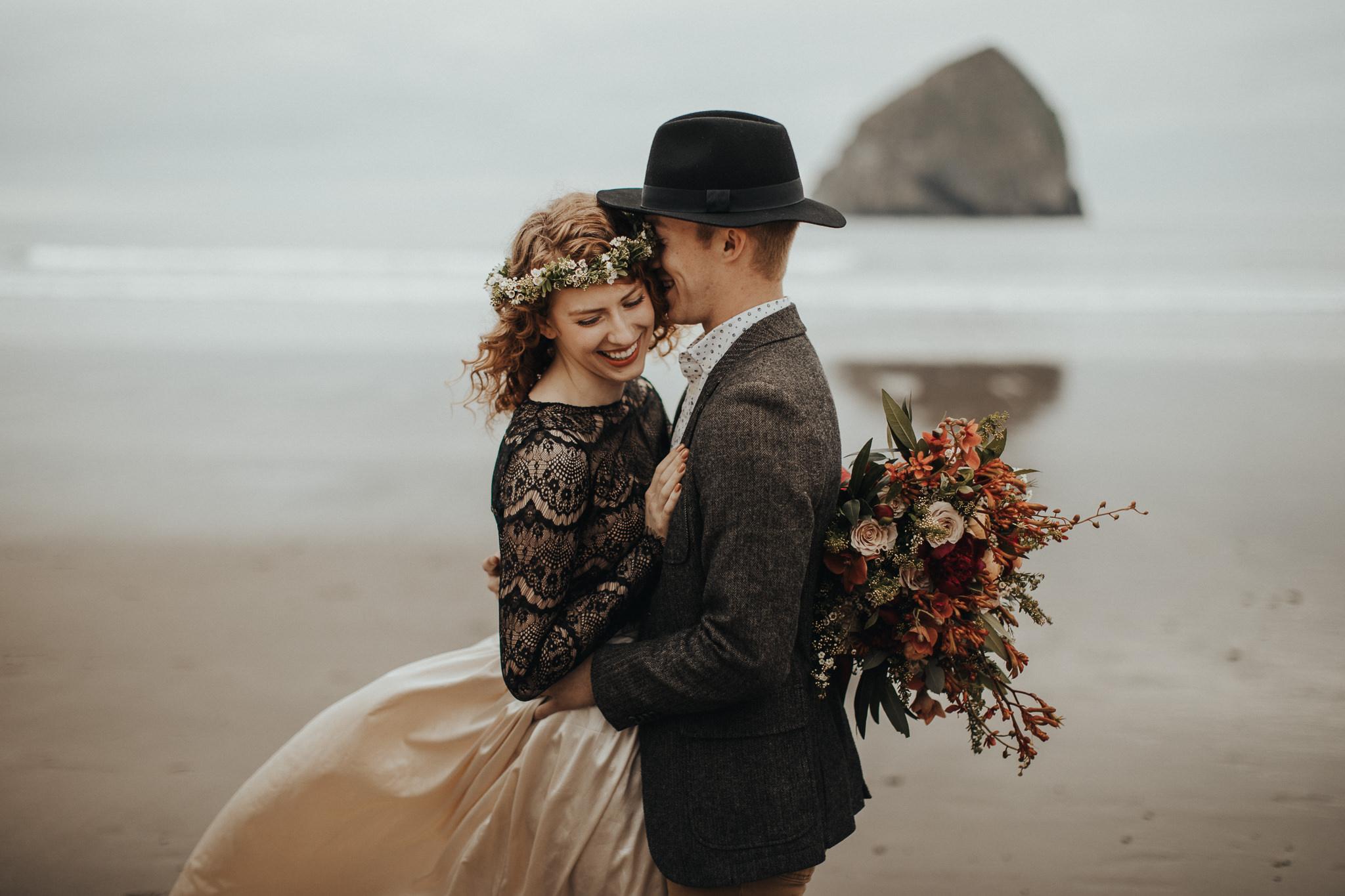 Cape Kiwanda - Elopement - Oregon - Wedding Photographer - Pat Cori Photography-7.jpg