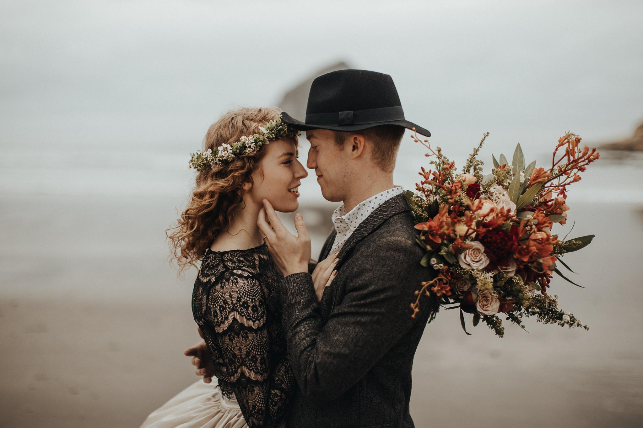 Cape Kiwanda - Elopement - Oregon - Wedding Photographer - Pat Cori Photography-9.jpg