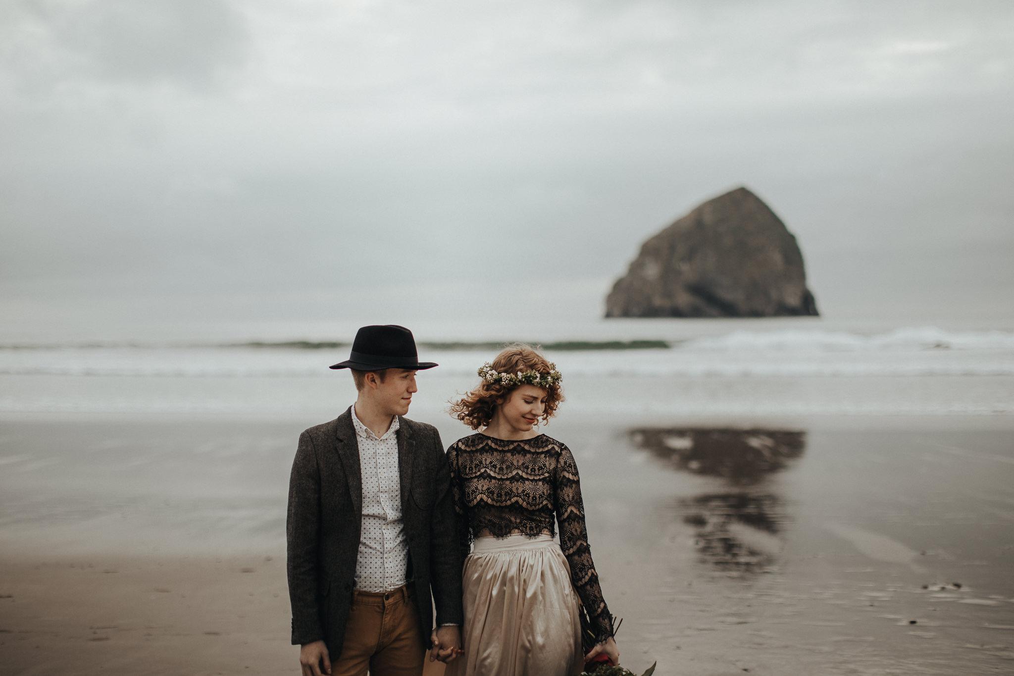 Cape Kiwanda - Elopement - Oregon - Wedding Photographer - Pat Cori Photography-19.jpg