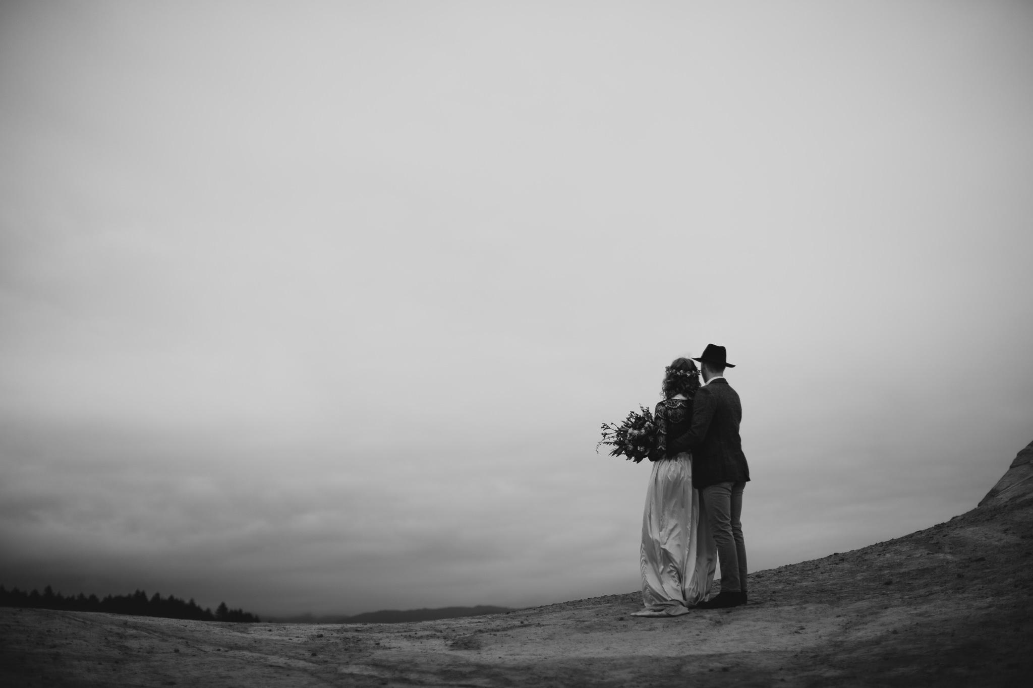 Cape Kiwanda - Elopement - Oregon - Wedding Photographer - Pat Cori Photography-67.jpg