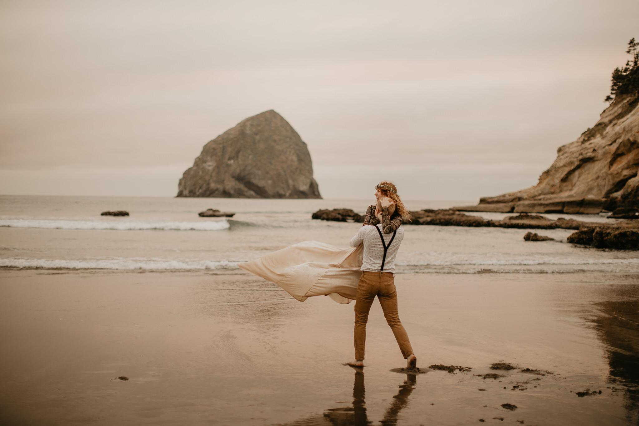 Cape Kiwanda - Elopement - Oregon - Wedding Photographer - Pat Cori Photography-75.jpg