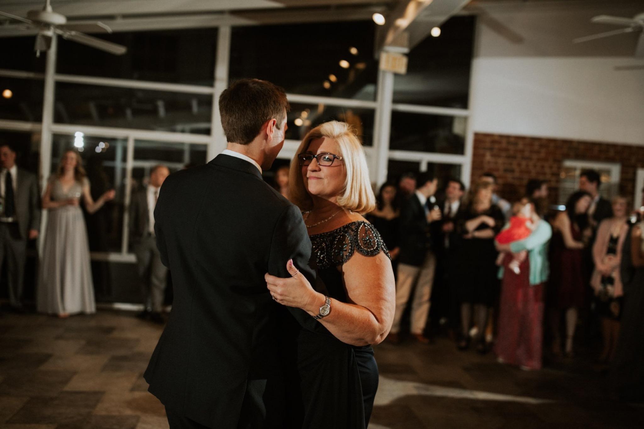 86_West Manor Estate Weddings - Pat Cori Photography-193_Weddingvenue_dancing_VirginiaWeddingPhotographer_WestManorEstate_reception_Wedding.jpg