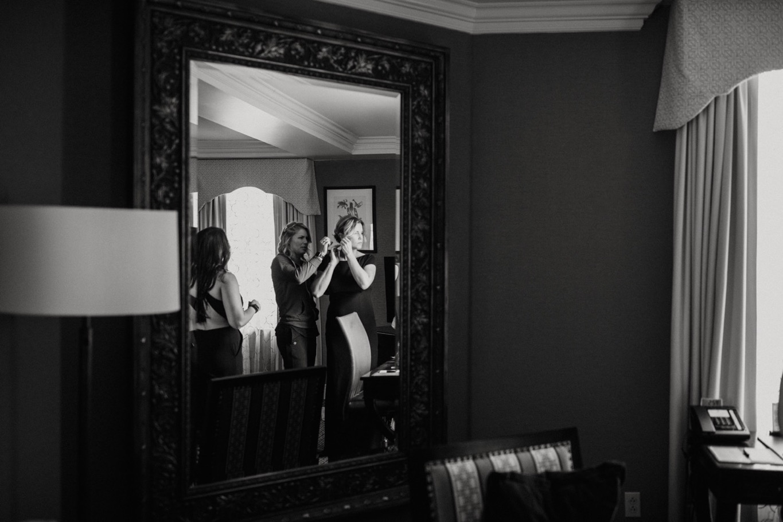 04_The Penthouse - Pat Cori Photography - Virginia Wedding Photographer-10_bride_hotelroanoke_gettingready_roanoke_PatCoriPhotography_details.jpg