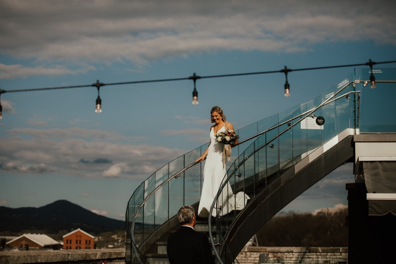 39_The Penthouse - Pat Cori Photography - Virginia Wedding Photographer-83_Wedding_Ceremony_PatCoriPhotography_roanoke_rooftop_thepenthouse.jpg