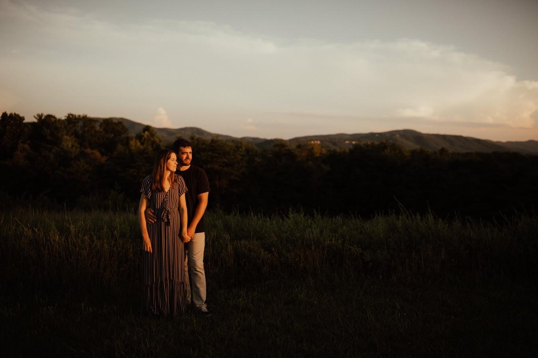22_Roanoke Engagement Photographer - Pat Cori-40_Portraits_Virginia_romantic_roanoke_Parkway_Sunset_Engagement.jpg
