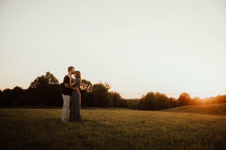 26_Roanoke Engagement Photographer - Pat Cori-45_Portraits_Virginia_romantic_roanoke_Parkway_Sunset_Engagement.jpg