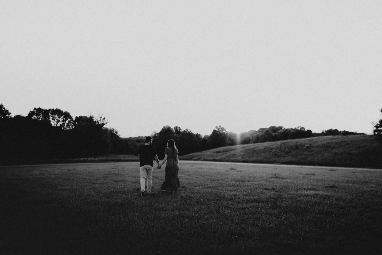 28_Roanoke Engagement Photographer - Pat Cori-46_Portraits_Virginia_romantic_roanoke_Parkway_Sunset_Engagement.jpg