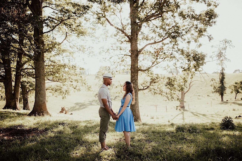 02_Fun outdoor Engagement - Pat Cori Photography_outdoors_Pizza_PatCoriPhotography_Virginia_Picnic_Engagement.jpg