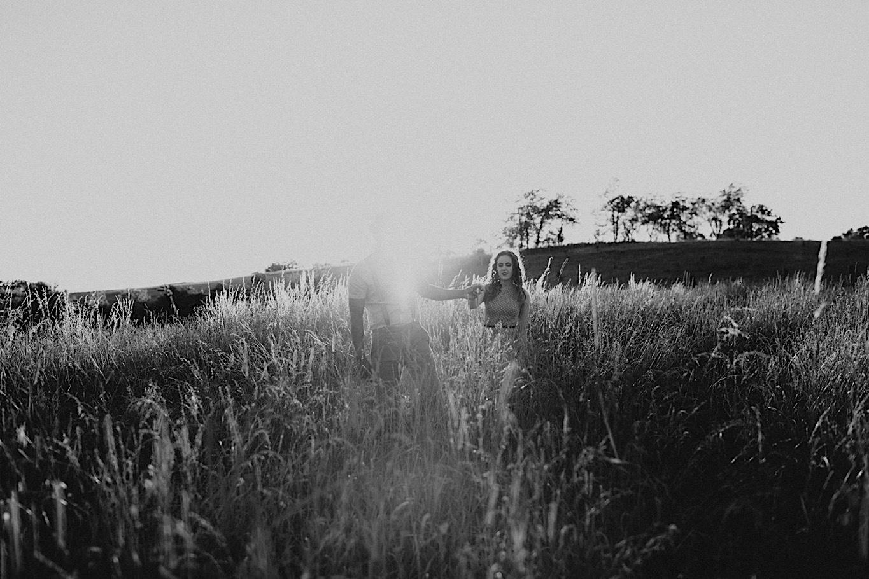 23_Fun outdoor Engagement - Pat Cori Photography-35_outdoors_Pizza_PatCoriPhotography_Virginia_Picnic_Engagement.jpg