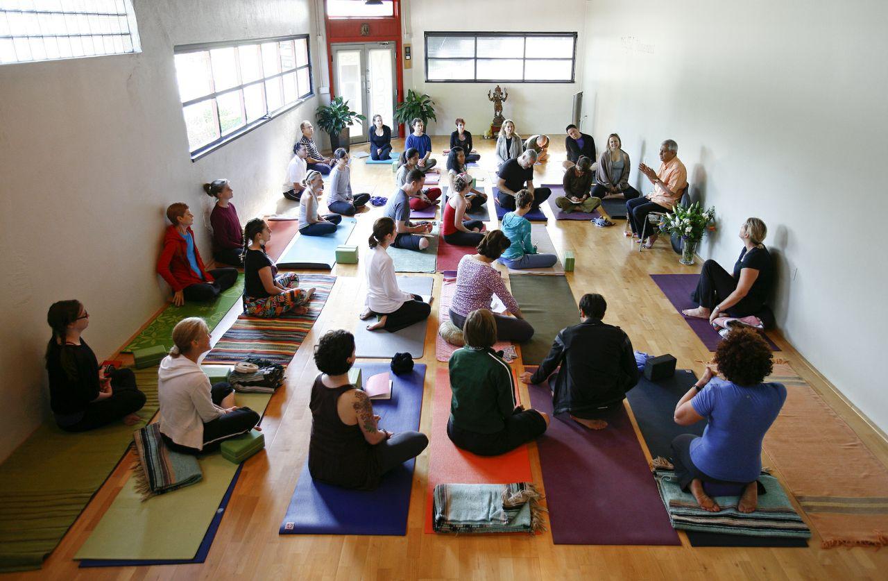 Heights School of Yoga_029 copy.jpg