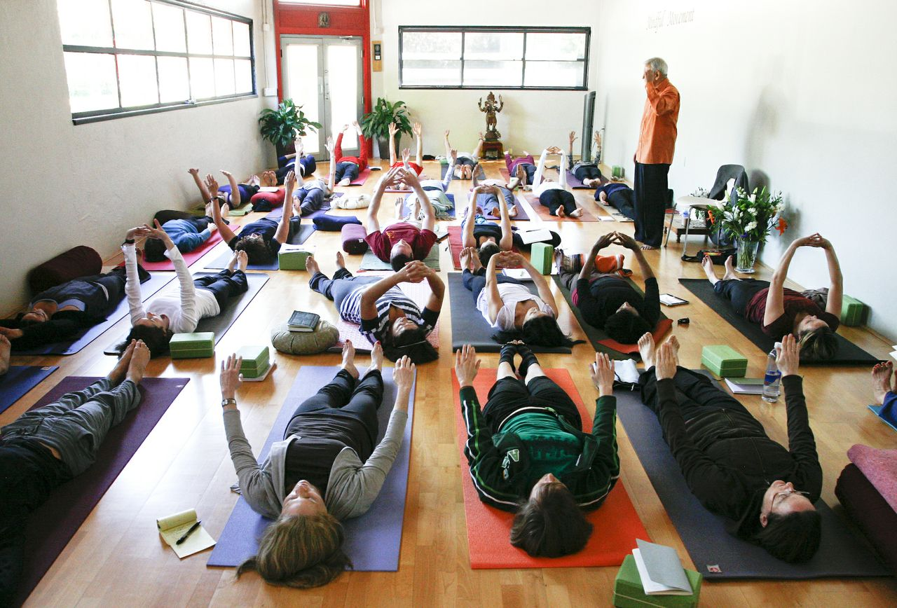 Heights School of Yoga_108 copy.jpg