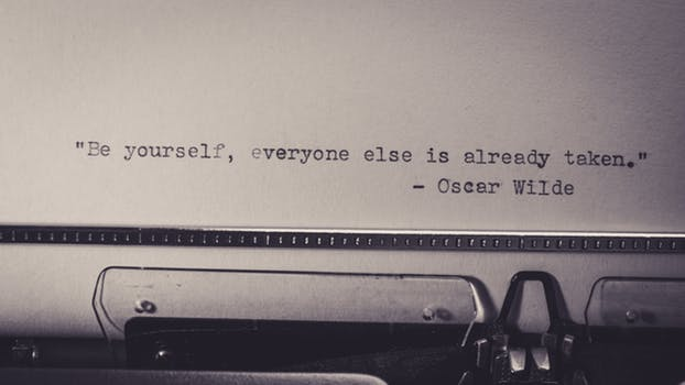 Oscar wilde pexels-photo-698324.jpeg