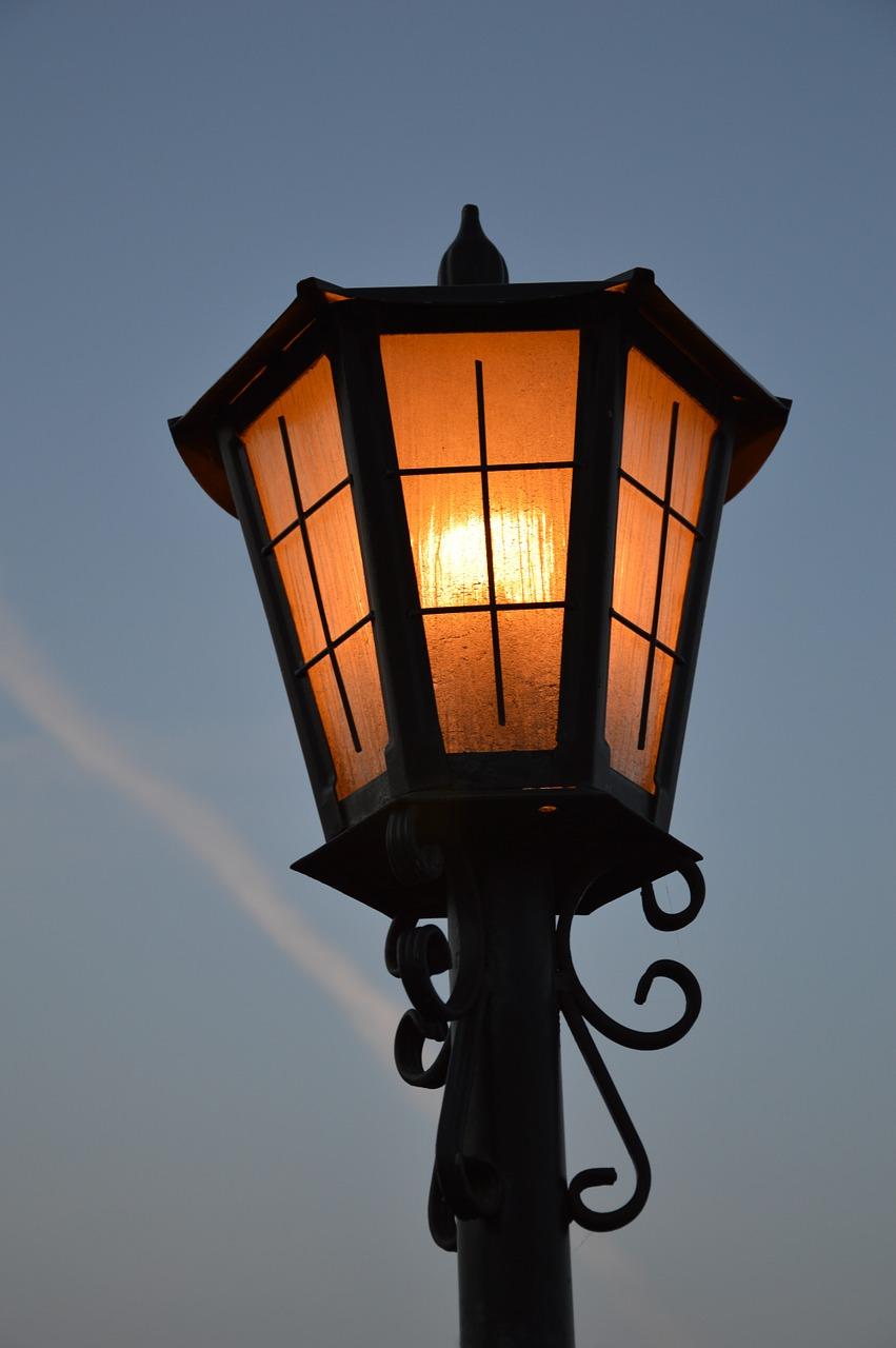 replacement-lamp-1116873_1280.jpg